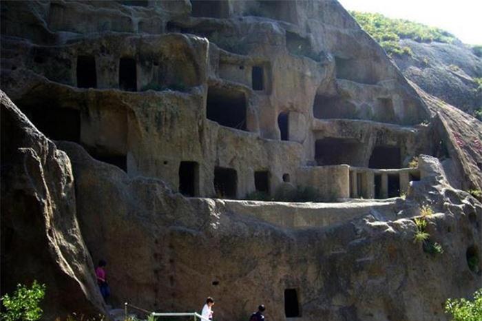 Kỳ lạ hang động bị bỏ hoang gần Vạn Lý Trường Thành và bộ tộc bí ẩn 7