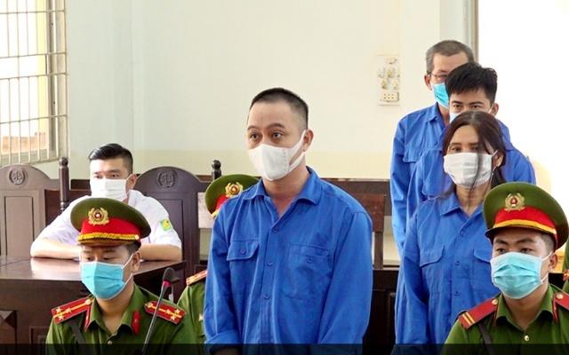 các bị cáo bị xét xử tại phiên tòa sơ thẩm ngày 8/6/2021