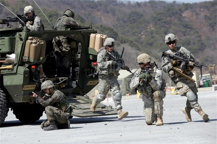 Điểm nóng và sức mạnh quân sự toàn cầu đang chuyển từ Tây sang Đông? - 2