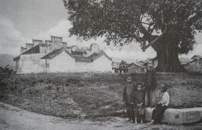 Trẻ em các vùng miền Việt Nam cách nay hơn 100 năm - Ảnh 15.