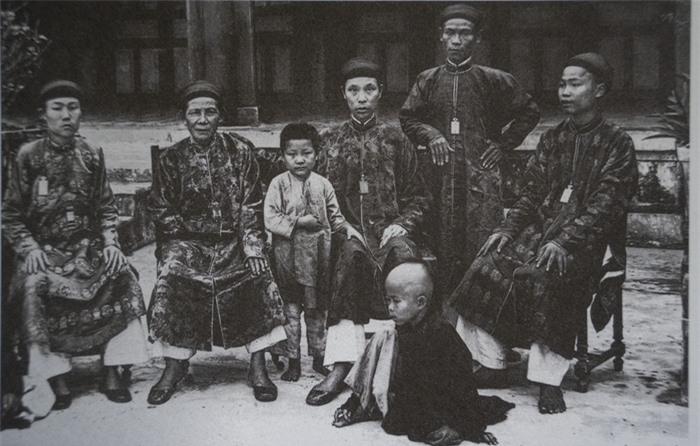 Trẻ em các vùng miền Việt Nam cách nay hơn 100 năm - Ảnh 3.