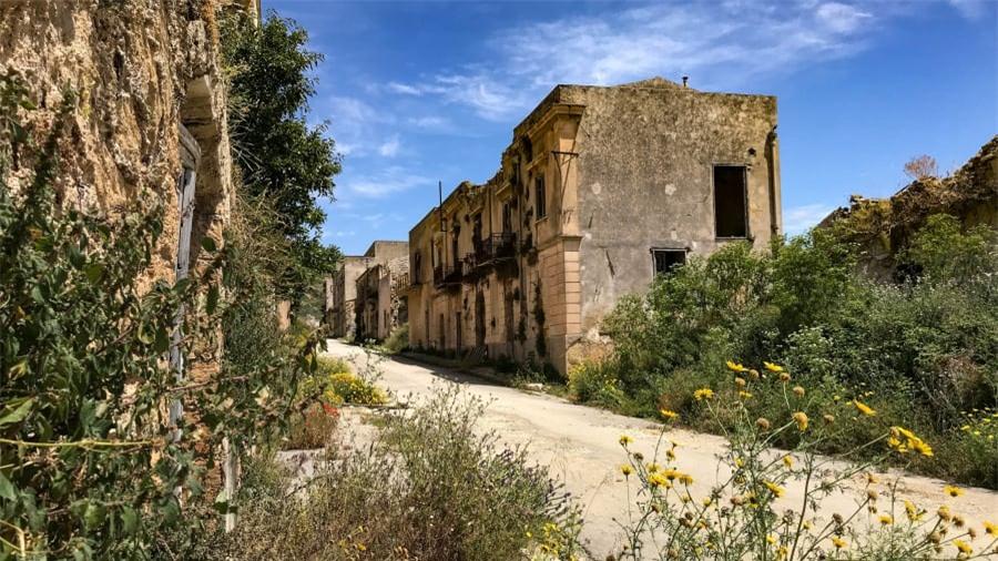 Thị trấn ma bí ẩn nhất nước Ý 2