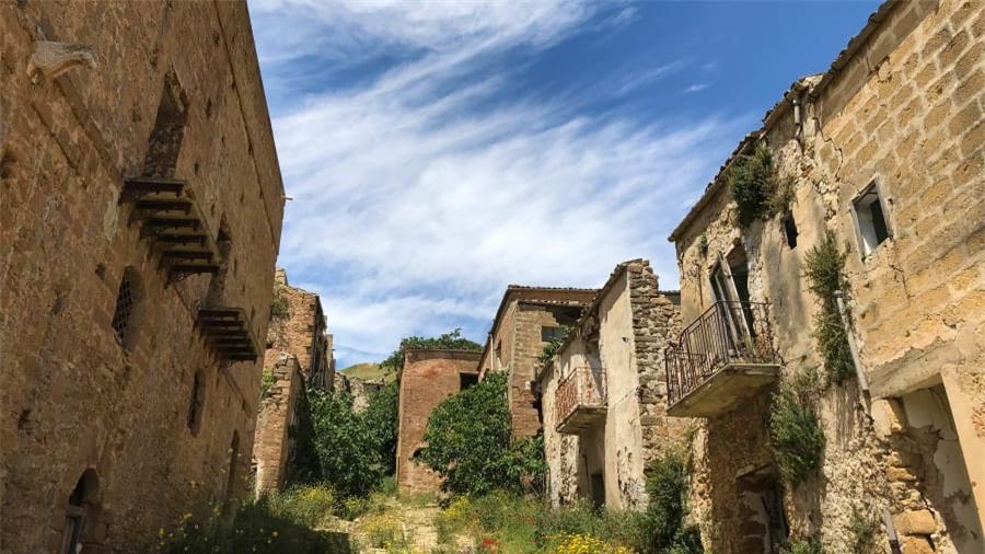 Thị trấn ma bí ẩn nhất nước Ý 3