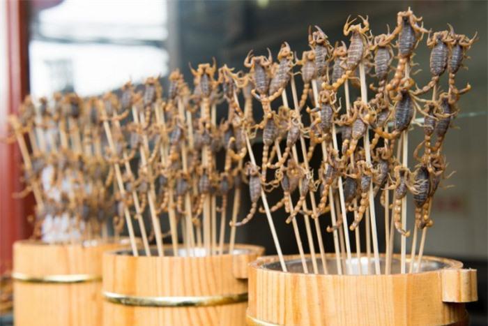10 món ăn kỳ lạ nhất định phải thử khi du lịch đến Thái Lan 2