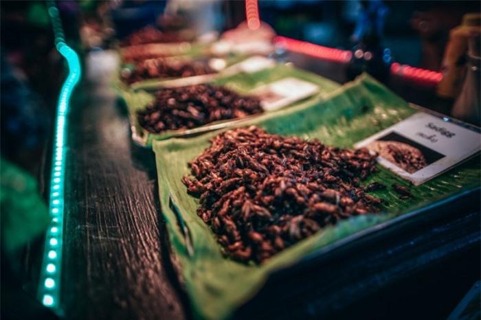 10 món ăn kỳ lạ nhất định phải thử khi du lịch đến Thái Lan 3