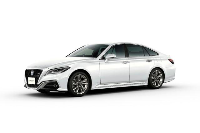 9. Toyota Crown (doanh số: 11.511 chiếc).