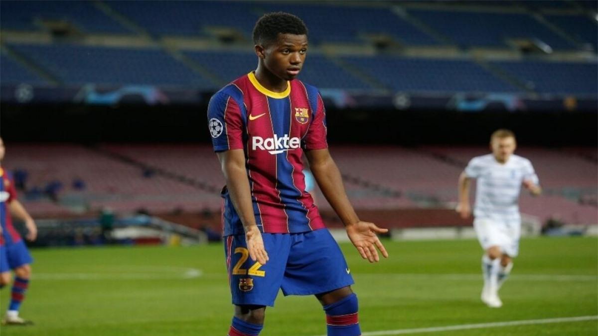 """Ansu Fati: """"Thần đồng"""" bóng đá Tây Ban Nha phải vật lộn với chấn thương đầu gối suốt từ tháng 11 năm ngoái."""