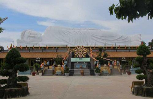 2 tượng Phật nằm dài nhất châu Á ở Việt Nam