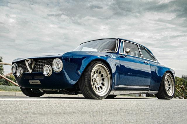 10. Totem Automobili Alfa Romeo Giulia GTA.