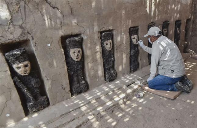 19 bức tượng bị chôn vùi và lãng quên hé lộ bí mật 750 năm trước 3