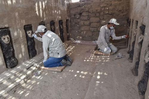 19 bức tượng bị chôn vùi và lãng quên hé lộ bí mật hơn 750 năm trước