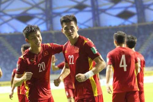 Báo Malaysia ngợi khen tuyển Việt Nam kiên cường và là ngôi sao châu Á