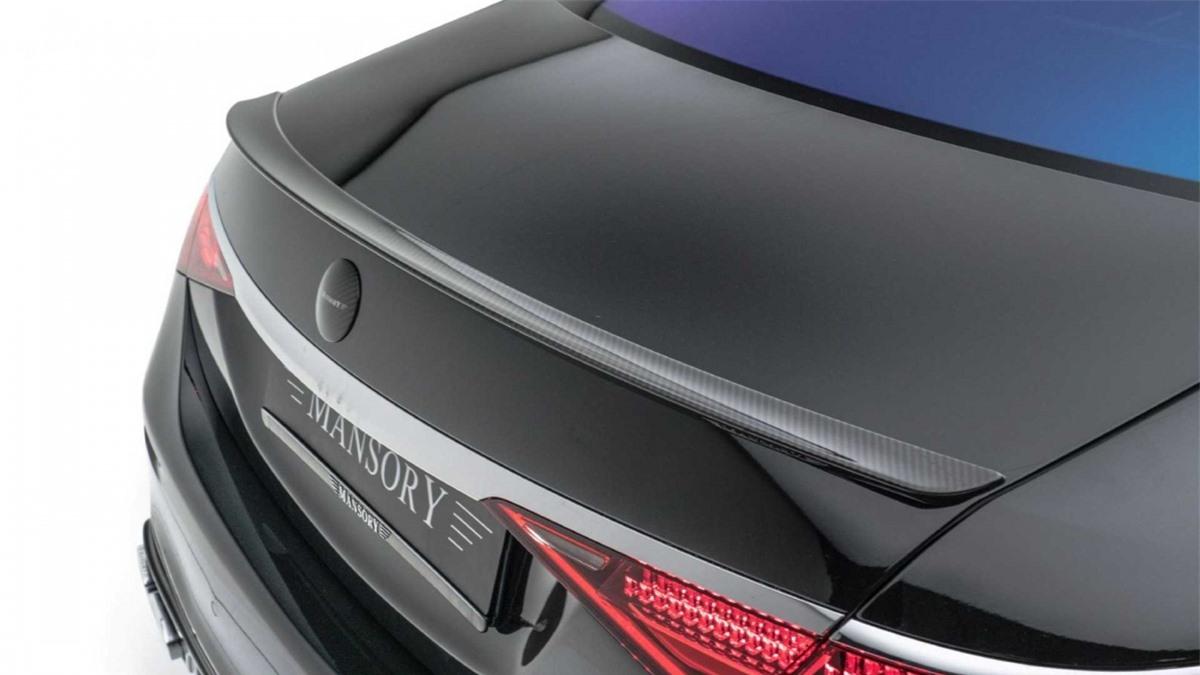 Về phần bản S500 dùng động cơ xăng giờ đây sẽ có công suất cực đại ở mức 526 mã lực và 629 Nm mô-men xoắn, tăng 91 mã lực và 109 Nm mô-men xoắn so với chiếc xe lăn bánh khỏi nhà máy của Mercedes-Benz.