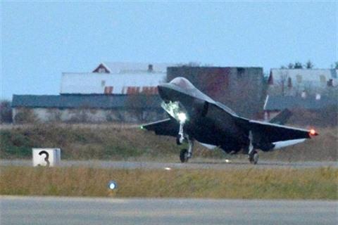 To hop Murmansk-BN Nga vo hieu hoa phi doi F-35 Na Uy?