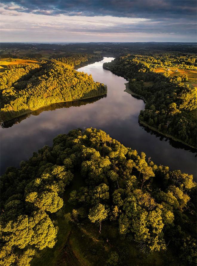 """Vẻ đẹp """"nghẹt thở"""" của Lithuania dưới ống kính máy bay không người lái - 4"""