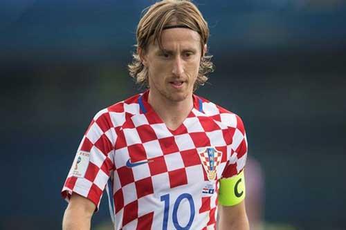 Luka Modric: 'Truyền thôngAnh ảo tưởng sức mạnh'