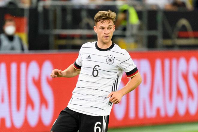 Hậu vệ phải: Joshua Kimmich (Đức).