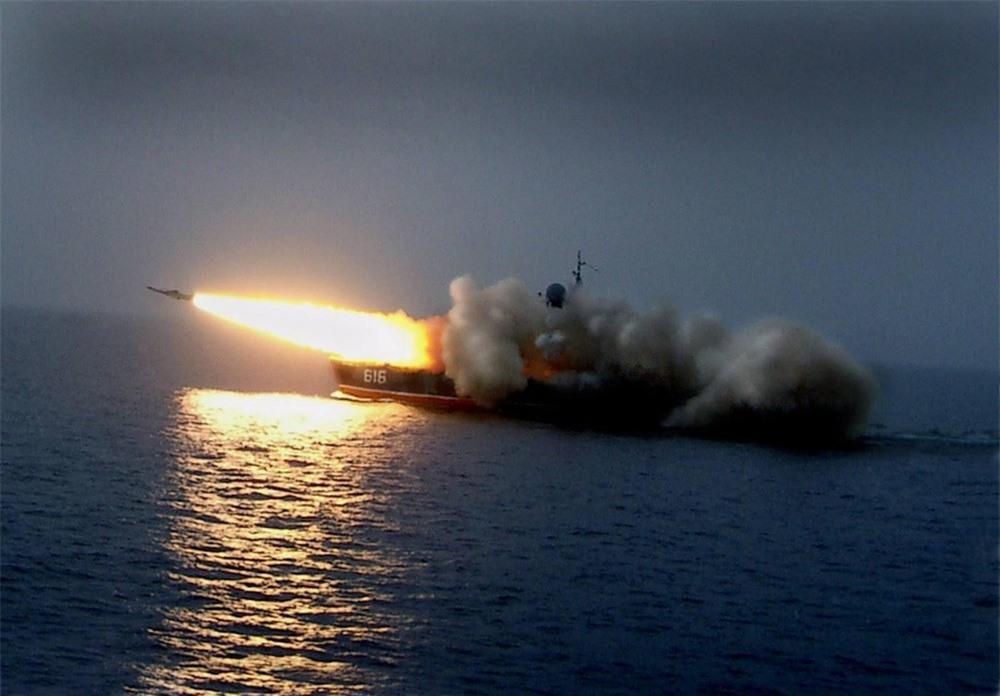 [Info] Chiến hạm lớp Bora của Nga sở hữu kho vũ khí khổng lồ ảnh 1