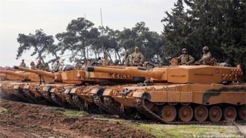 Leopard 2A4 trang bi giap titan sau don nho doi tai Syria