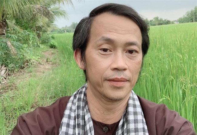 Trước Hoài Linh, có 1 danh hài hạng A giàu bậc nhất showbiz bị cấm sóng, tai tiếng ê chề đến mức phải khóc xin lỗi  - Ảnh 1.