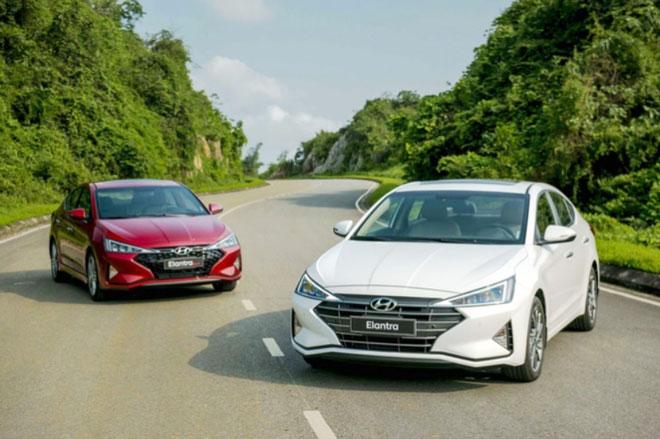 Kia Cerato, Hyundai Elantra, Toyota Corolla Altis đua nhau giảm giá trong tháng 6