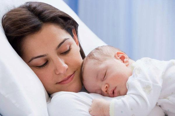 Thực phẩm mẹ bầu nên ăn sau sinh để cho con bú