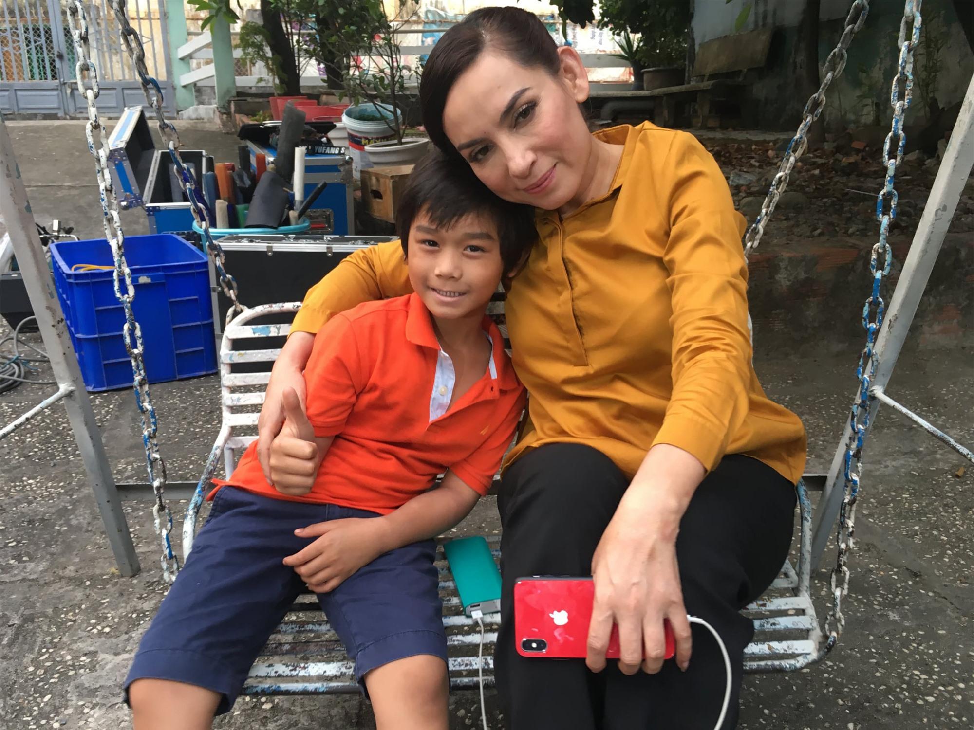 Bố diễn viên nhí Huy Khang chia sẻ bất ngờ về con người Phi Nhung - Ảnh 3.