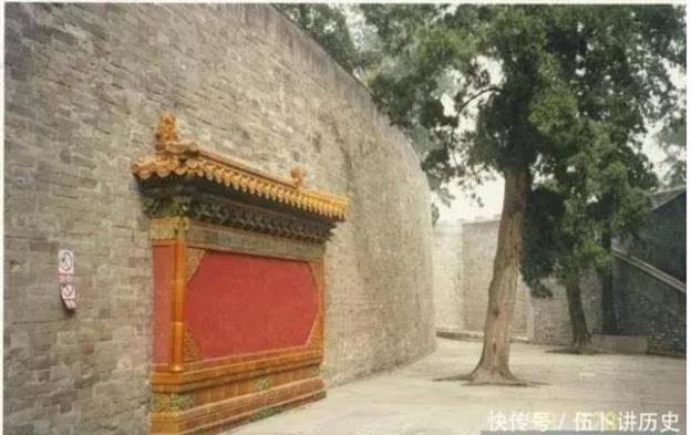 Hai triều đại nối tiếp, tại sao mộ nhà Minh không ai động tới mà mộ nhà Thanh lại bị trộm không sót lăng nào? - Ảnh 1.