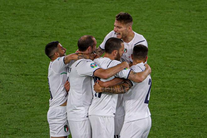 Italia sẽ sớm vượt qua vòng bảng? Ảnh: Getty.