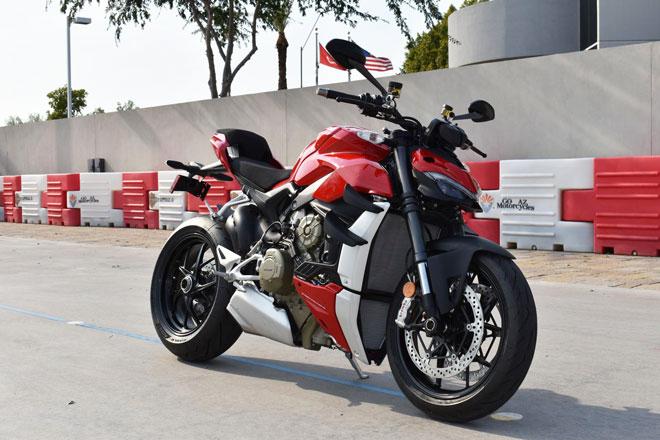 10. Ducati Streetfighter V4 và V4S.