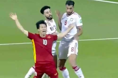 Trọng tài Iraq sai lầm, tước ngôi đầu bảng của ĐT Việt Nam?