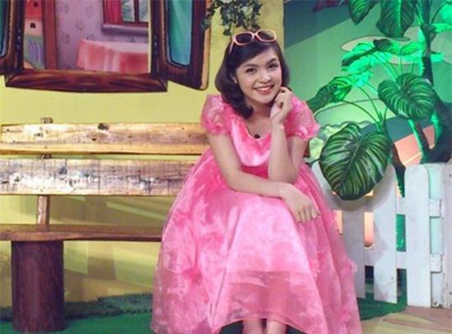 Nhan sắc chị ruột là chị kính hồng nổi tiếng một thời trên VTV của Hòa Minzy  - Ảnh 1.