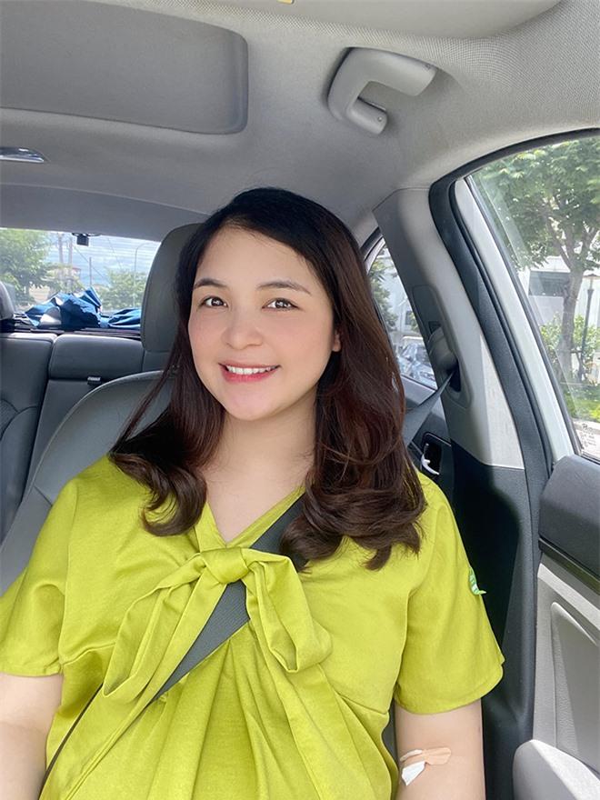Nhan sắc chị ruột là chị kính hồng nổi tiếng một thời trên VTV của Hòa Minzy  - Ảnh 3.