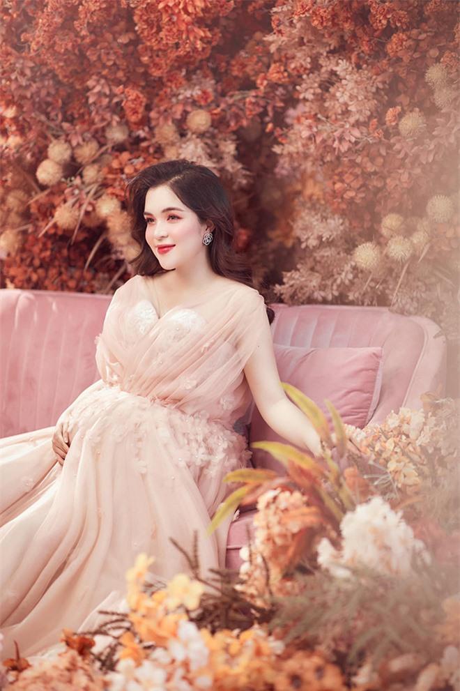 Nhan sắc chị ruột là chị kính hồng nổi tiếng một thời trên VTV của Hòa Minzy  - Ảnh 7.