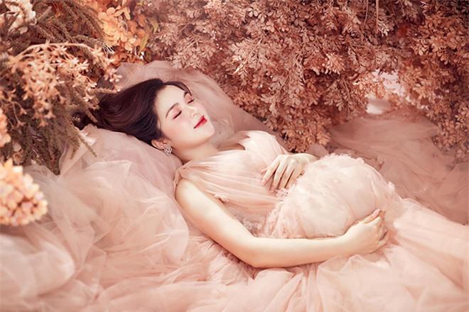 Nhan sắc chị ruột là chị kính hồng nổi tiếng một thời trên VTV của Hòa Minzy  - Ảnh 8.