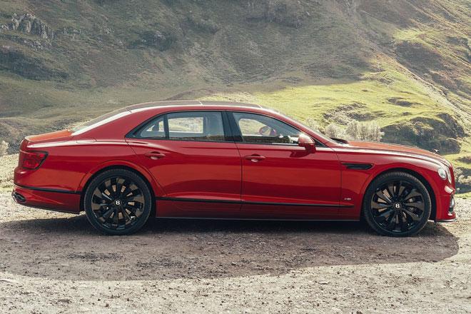 3. Bentley Flying Spur V8.
