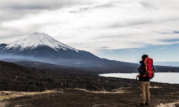 Đám mây bí ẩn xuất hiện trên đỉnh núi Phú Sĩ khiến cư dân mạng ngỡ ngàng, sự thật là gì? ảnh 1