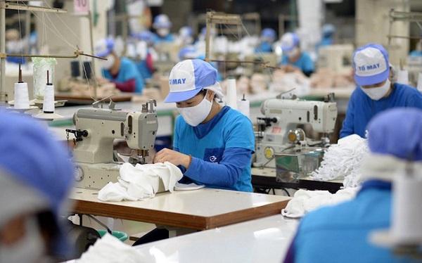 """Năm 2020: Kim ngạch xuất khẩu ngành dệt may giảm 10,4%, tăng trưởng """"âm"""" sau gần 25 năm."""