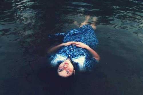 Cùng xuống nước nhưng người chết thì nổi, người sống thì chìm - Tại sao vậy?