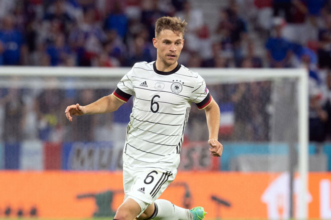 Tiền vệ trung tâm: Joshua Kimmich (Đức).