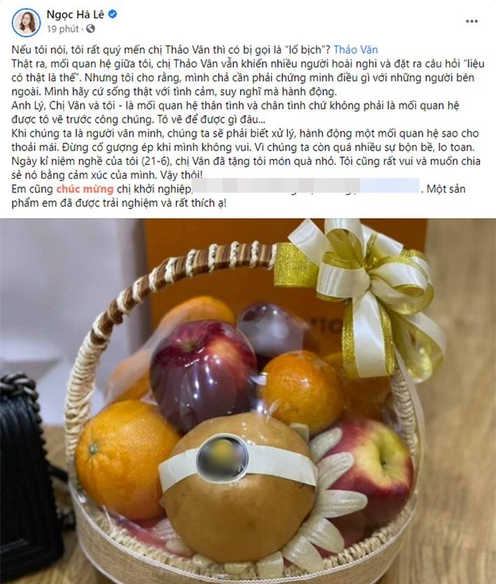 Bà xã kém 15 tuổi của Công Lý khoe quà được Thảo Vân tặng, nói rõ mối quan hệ sau những nghi vấn - Ảnh 1.