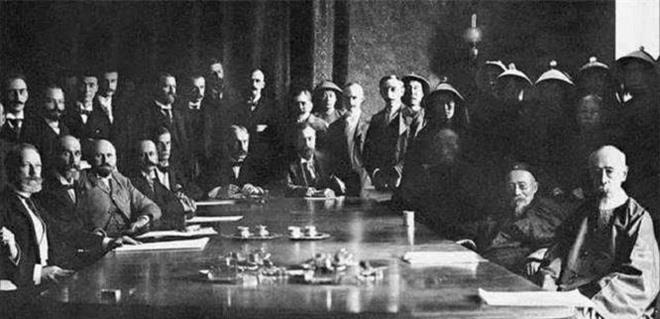 Bữa trưa tàn khốc nhất thời vãn Thanh: 8 đại tướng quân hoan hỉ nhập tiệc, nhưng chưa kịp động đũa đã đầu lìa khỏi cổ - Ảnh 6.