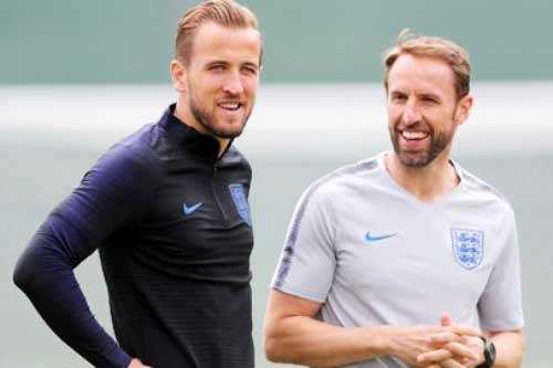 HLV Gareth Southgate và Harry Kane.