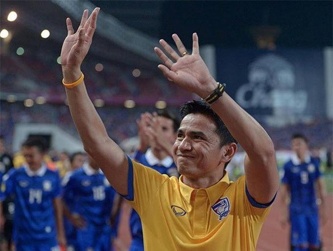 Kiatisak đưa Thái Lan vào vòng loại thứ 3 World Cup 2018