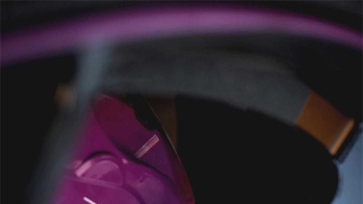 Ngắm nội thất màu tím mộng mơ trên siêu SUV Lamborghini URUS - 4