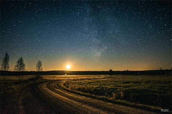 """Ngỡ ngàng với những bức ảnh huyền ảo, """"đẹp thần thánh"""" ở nơi toàn là bóng đêm - 13"""