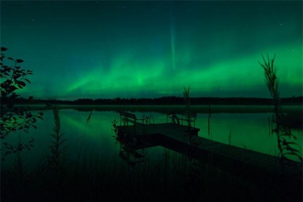 """Ngỡ ngàng với những bức ảnh huyền ảo, """"đẹp thần thánh"""" ở nơi toàn là bóng đêm - 24"""