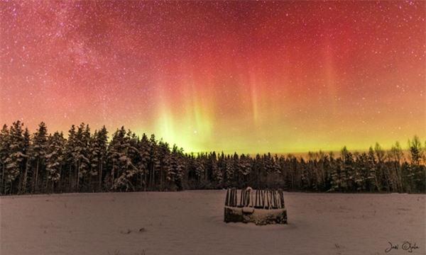 """Ngỡ ngàng với những bức ảnh huyền ảo, """"đẹp thần thánh"""" ở nơi toàn là bóng đêm - 3"""