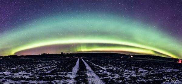 """Ngỡ ngàng với những bức ảnh huyền ảo, """"đẹp thần thánh"""" ở nơi toàn là bóng đêm - 8"""