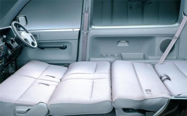Những mẫu xe có thiết kế chỗ ngồi độc lạ ảnh 7